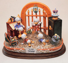 Uncle Scrooge  Capodimonte Disney New Mint Laurenz Figurine C.O.A. Original Box - $3,330.00