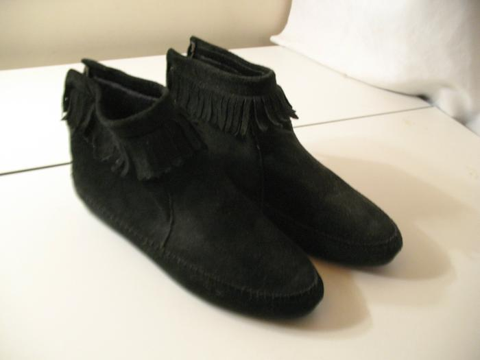 Valley Lane Black Suede Leather fringe Moccasins Ankle Boot shoes Size 7