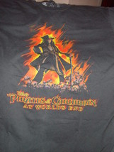 Disney Pirates Of The Caribbean At World`s End T-Shirt Size Med - $17.00
