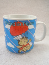 Enesco Hang In Thee Garfield & Odie Mug 1986 - $2.99