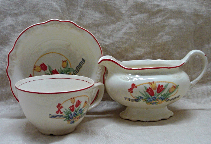 Vintage Homer Laughlin Virginia Rose Tulips in Basket Creamer Dish // Cup //Bowl