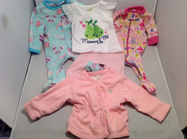 Lot of 3 Outfits (5 pieces at all)  Baby Girl , Size NB (Newborn up to 10 lb)