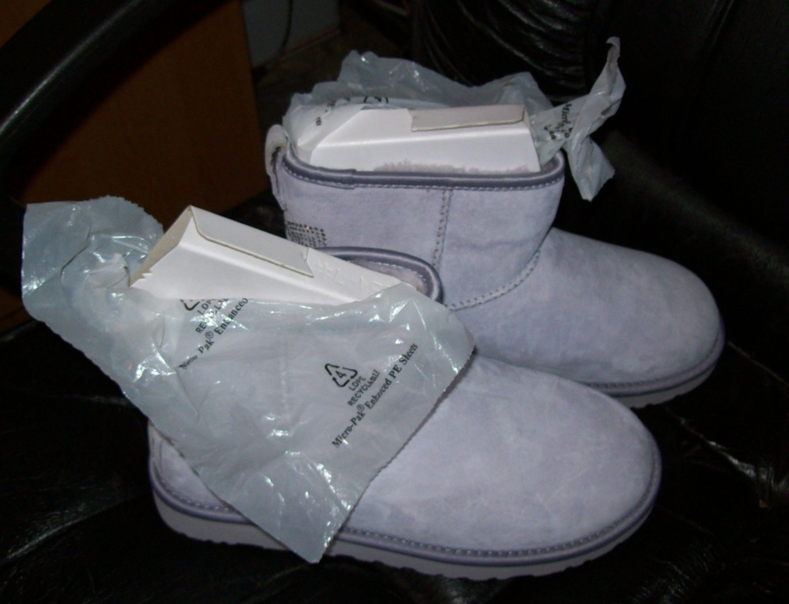 UGG Australia Womens Classic Mini Lilac Purple Sheepskin Boots US 7 UK 5.5 EU 38
