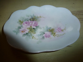 Shabby Gorgeous vtg hand painted soap dish pain... - $17.37