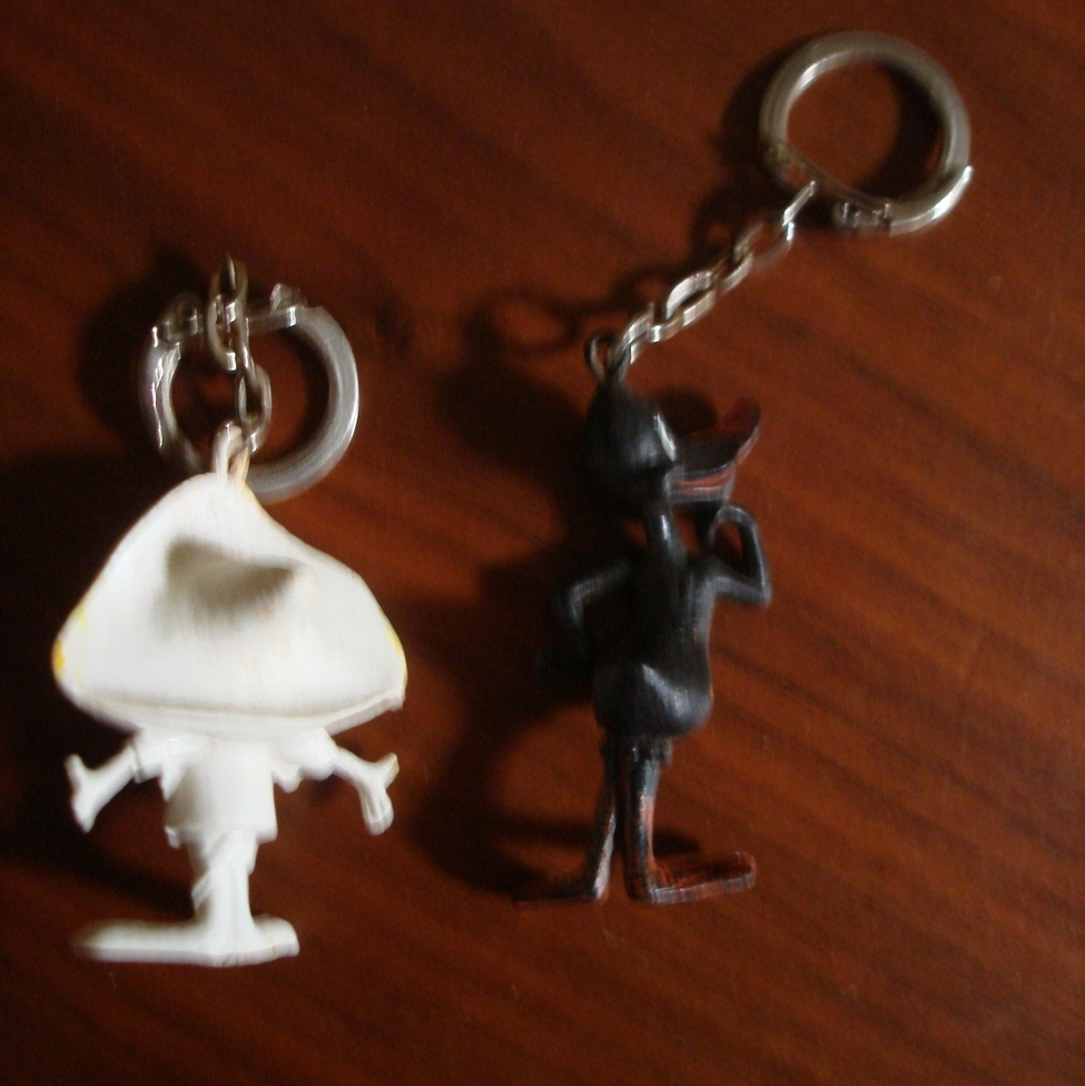 VINTAGE DAFFY DUCK AND SPEEDY GONZALES LOONEY TUNES FIGURAL PLASTIC KEY RINGS