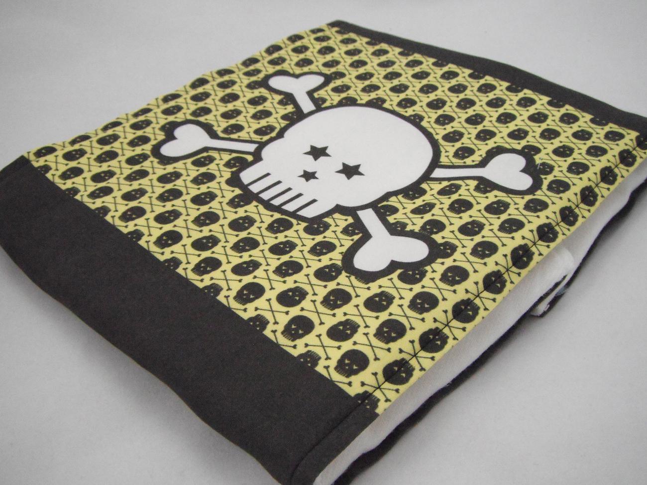 Premium 6 Ply Burp Cloth - Yellow Black Mini Skulls Large Male White Skull Print
