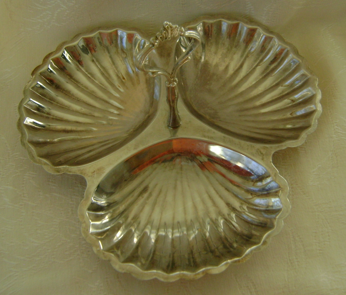 Serving Dish, Silverplate, 3 Seashell Sections, Elegant