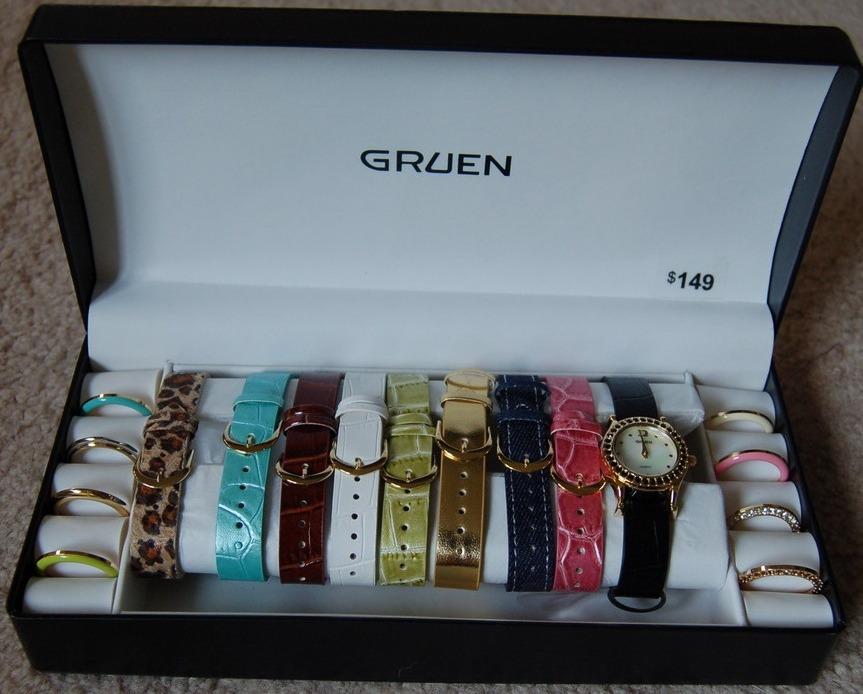 gruen watch set interchangeable bezels and straps goldtone. Black Bedroom Furniture Sets. Home Design Ideas