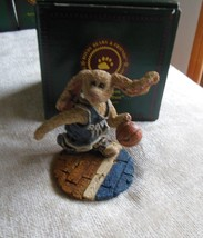Boyds Bears Buzz...The Flash Basketball Bearstone #227706 - $25.24