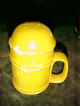 "CERAMIC Pepper Shaker BRIGHT YELLOW 5"" Tall x 3"" wide;Retro VINTAGE COTT... - $4.99"