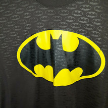 Batman Graphic T-Shirt Adult Size Large Shield Badge Black Yellow Mens D... - £6.44 GBP