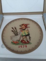 MI Hummel 1974 In Original Box 4th Annual Collector Plate Goebel West Germany - $15.99
