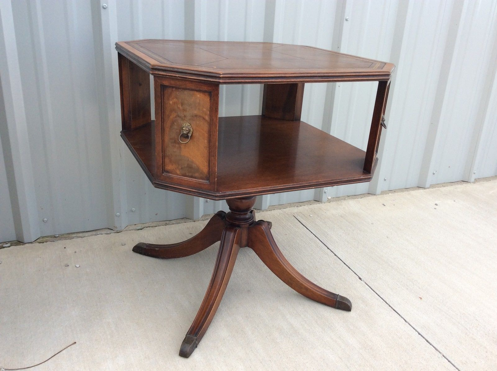 Vintage Antique Henredon Heritage Round Mahogany Side end Table Duncan Phyfe