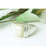 White Mother of Pearl Sterling Silver Ring Size 7 - $32.00
