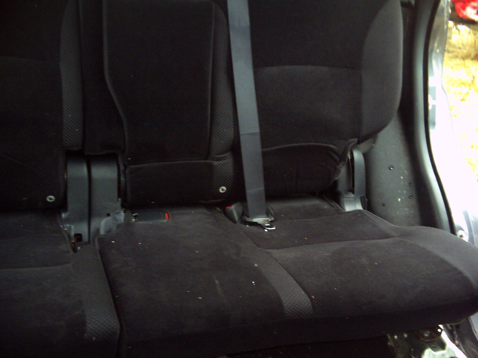 "2010 MITSUBISHI OUTLANDER LEFT 60"" REAR SEAT"