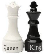 Queen and King Chess Magnetic Ceremic Salt and Pepper Shakers - €8,56 EUR
