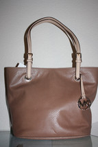 NWT MICHAEL KORS Jet Set Item Medium  Leather T... - $158.59