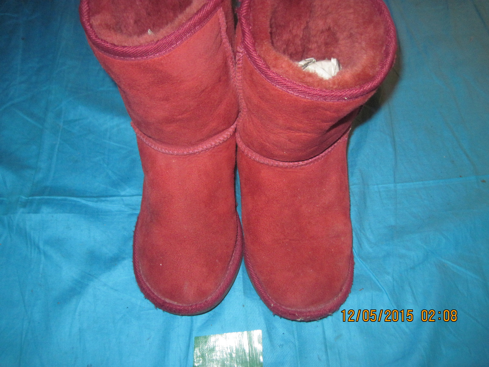 MADE IN AUSTRALIA KID`S RED SHEARLING UGG ANKLE BOOTS FOR GIRLS, SIZE 4