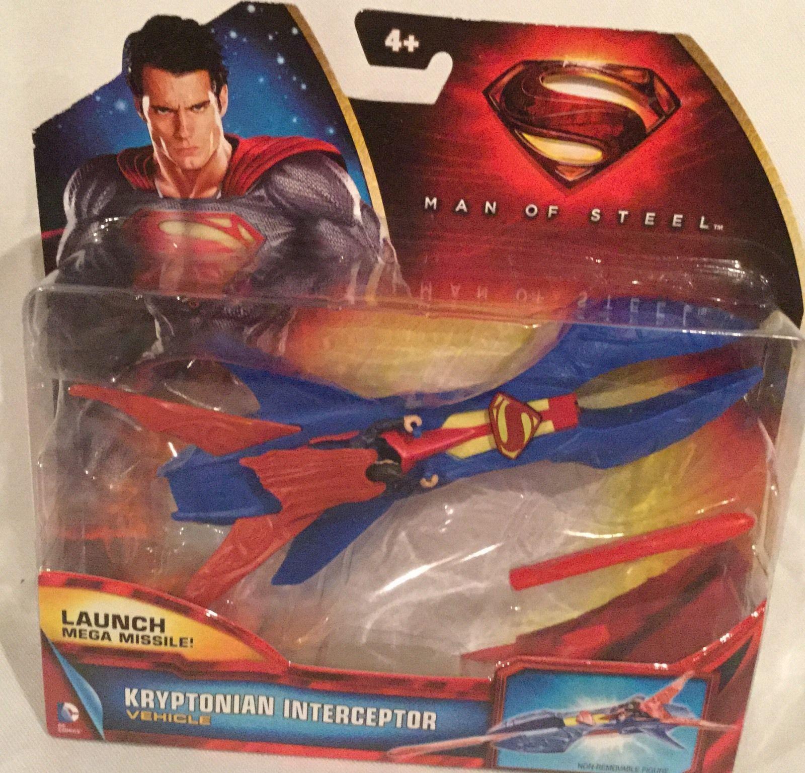 Superman Man of Steel KRYPTONIAN INTERCEPTOR Vehicle & Figure - 2013 - NEW