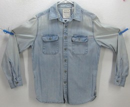 Vintage Levi's Red Tab Men's size Medium Light Sun Faded Blue L/S Denim Shirt - $49.50