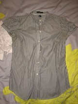 Gap Blue & White Pin Striped Short Sleeve Button Front Shirt Size 4 - $16.99