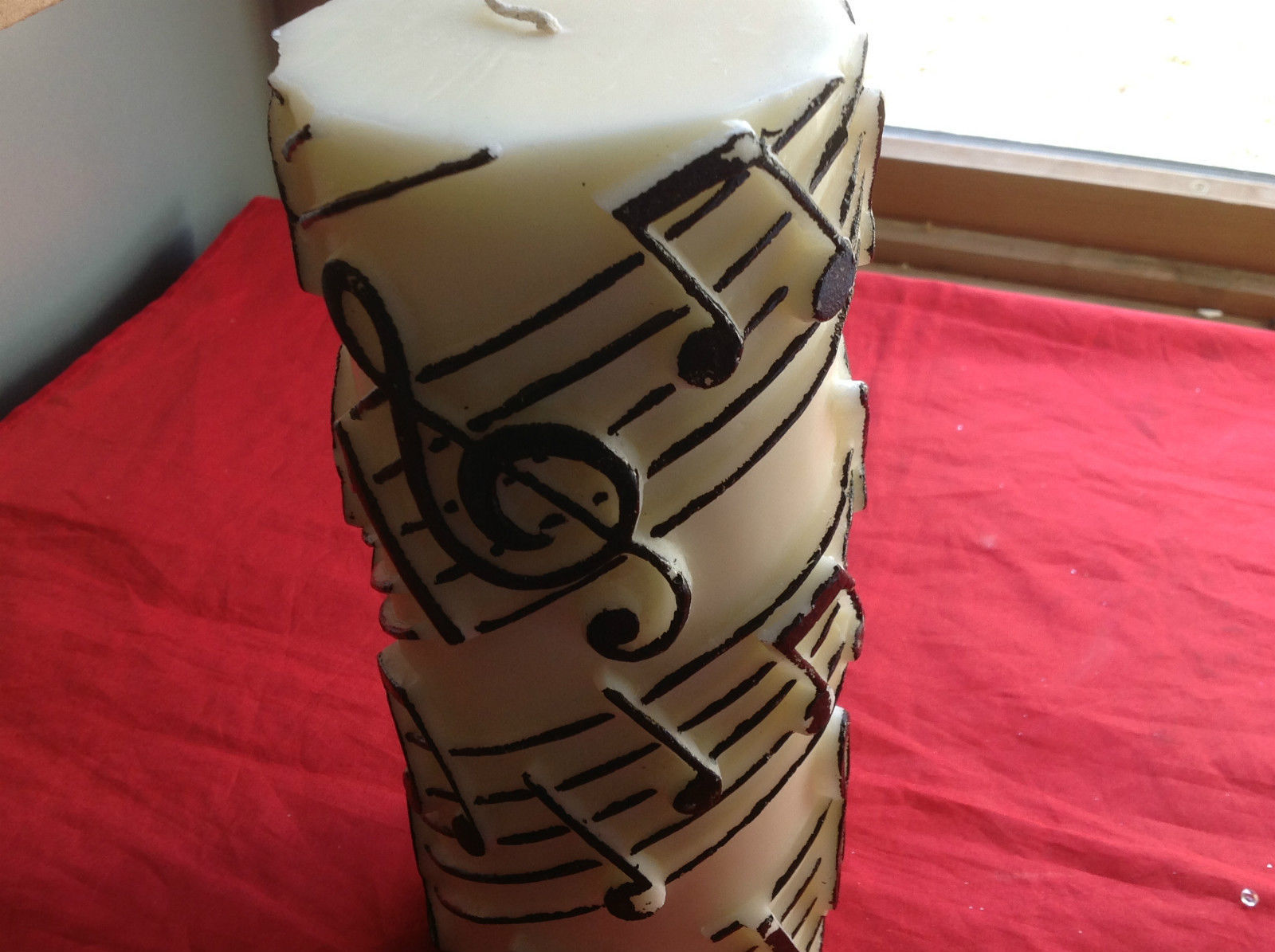 Volcanica Musical Notes Pillar Candle Lead-free Wick Bali Harmony Beeswax Palm