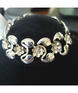 Vintage Costume Bracelet Daisy Flowers & Rhinestones SilverTone Open Design - $13.85