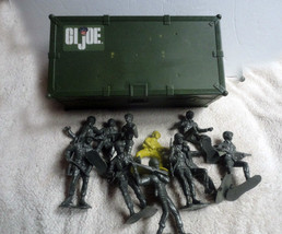 GI JOE Carrying Case with Rope and 11 Plastic A... - $10.97