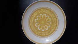Vintage Royal China Yellow & White Cavalier Casablanca  Dinner Plate - $16.68
