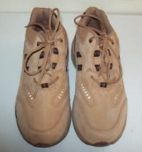Women's Propet Life Walker Walking Shoe --  W5002 -- Size 6.5 W - $32.36