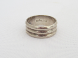 Vintage Mexican Sterling Silver Band Ring Size 8 - $22.00