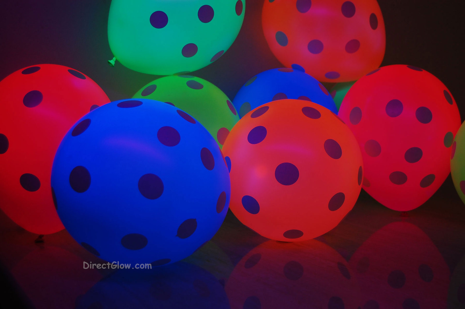 Neon uv blacklight polka dot balloons4