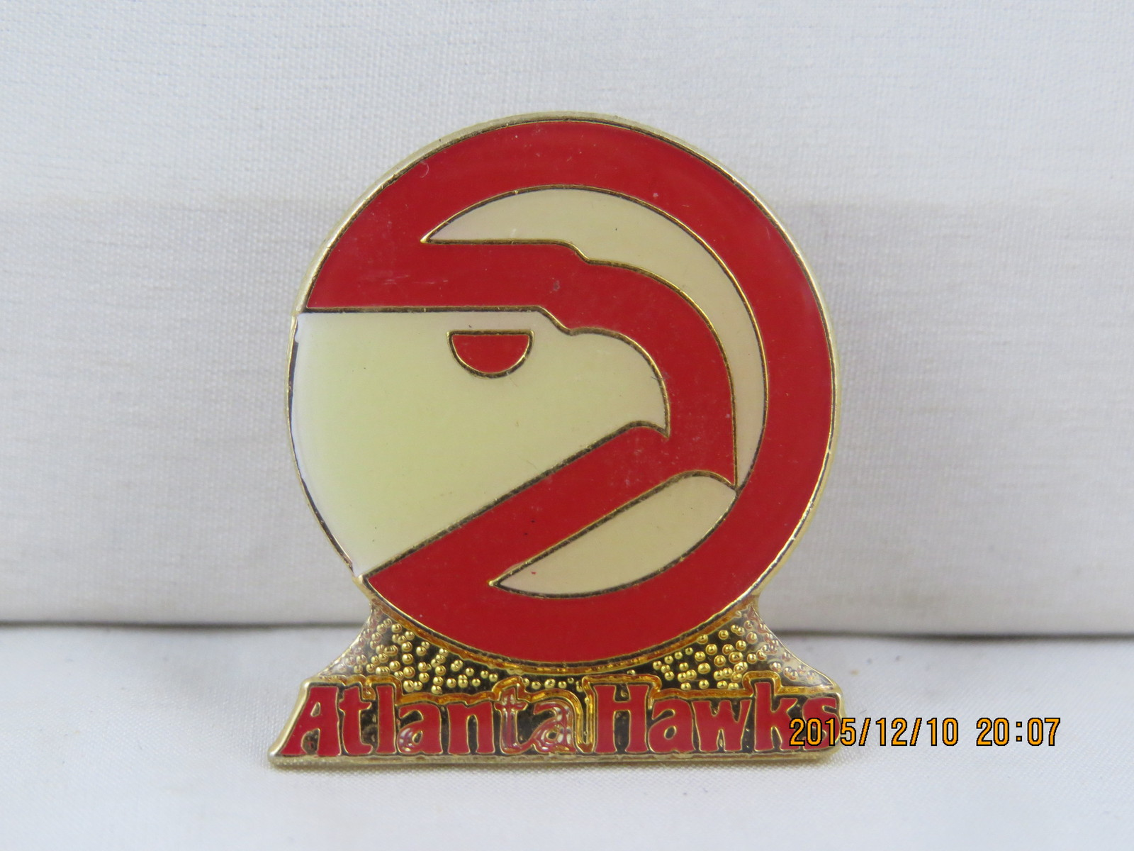 Primary image for Retro Atlanta Hawks Pin - Featuring the Team's 1980's logo !!!