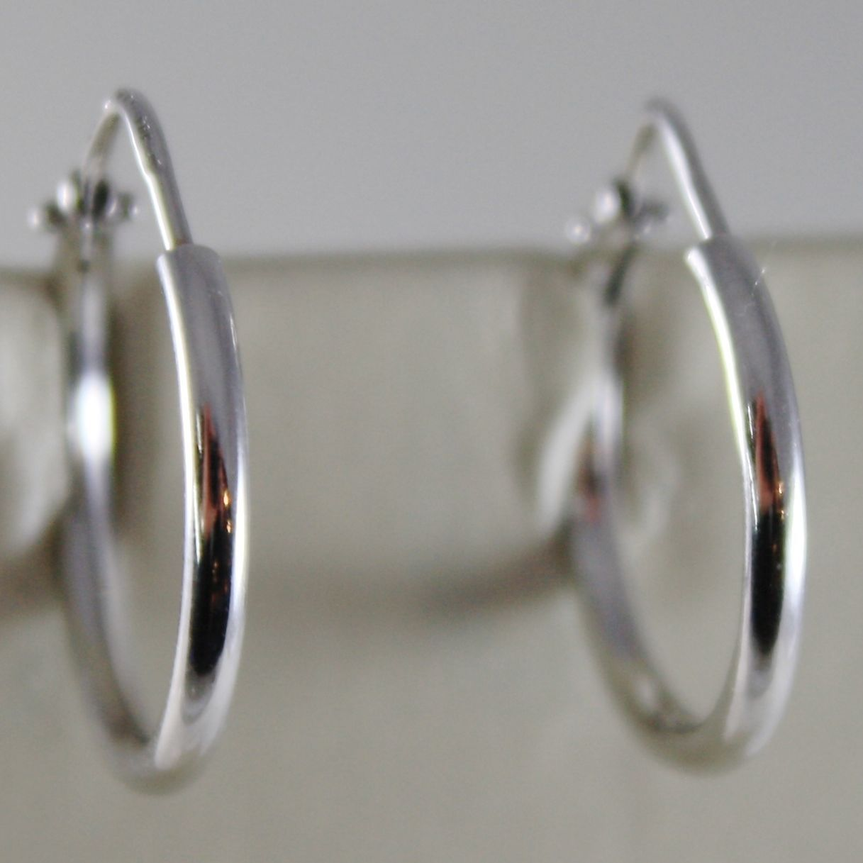 18K WHITE GOLD EARRINGS LITTLE CIRCLE HOOP 17 MM 0.67 IN DIAMETER MADE IN ITALY