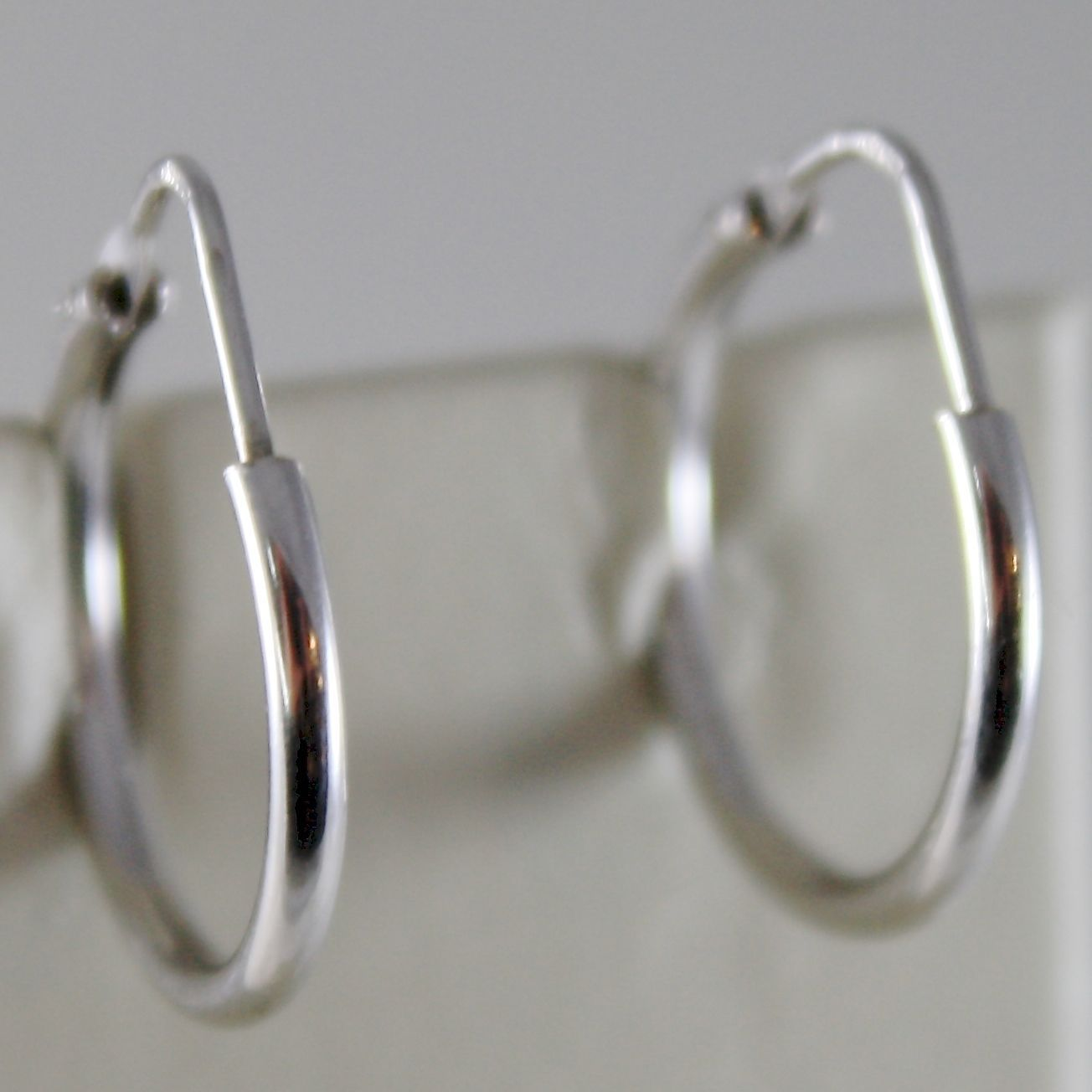 18K WHITE GOLD EARRINGS LITTLE CIRCLE HOOP 18 MM 0.71 IN DIAMETER MADE IN ITALY
