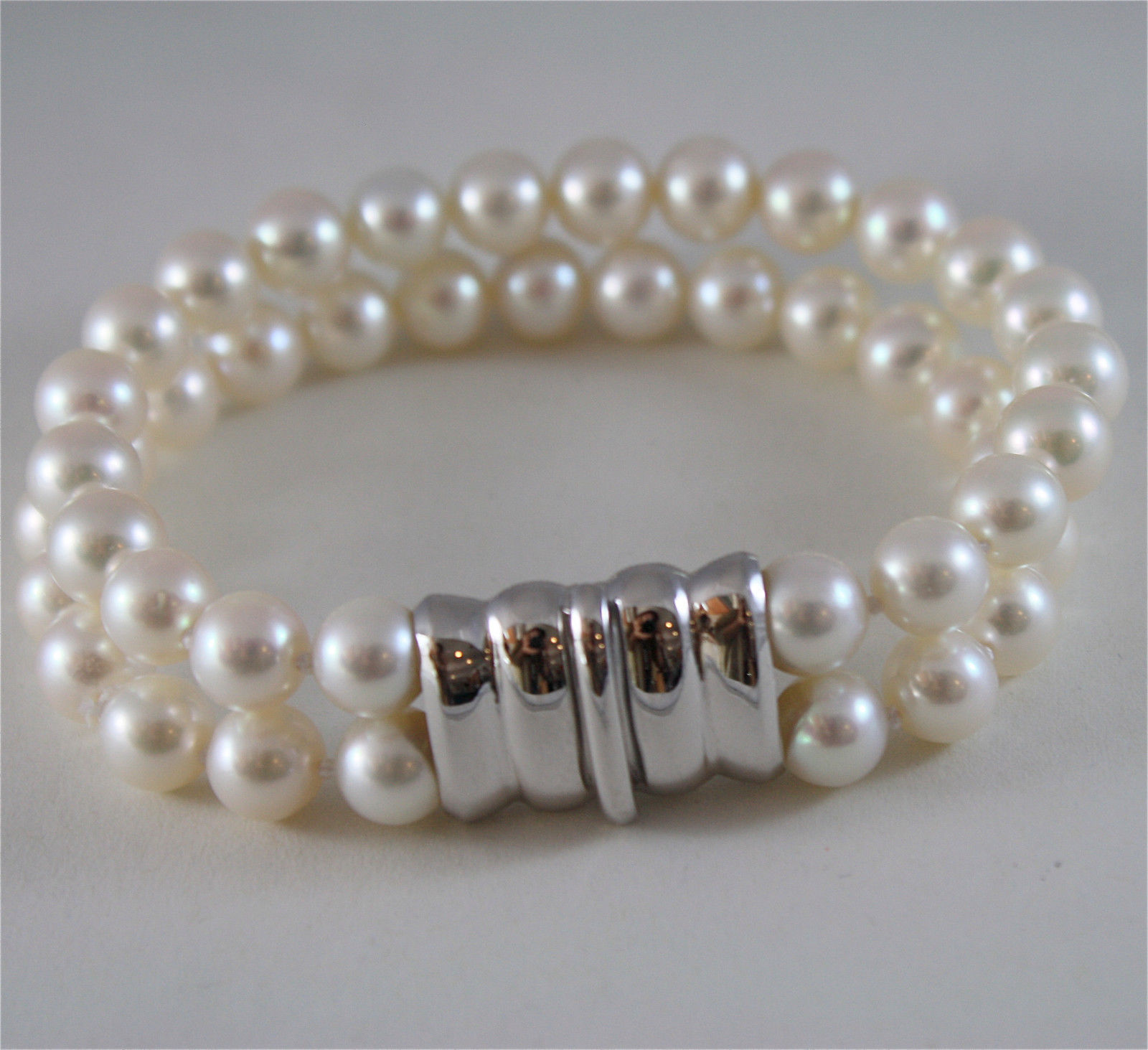 18K WHITE GOLD BRACELET WITH TWO STRANDS OF WHITE FW PEARLS 7.5 IN MADE IN ITALY