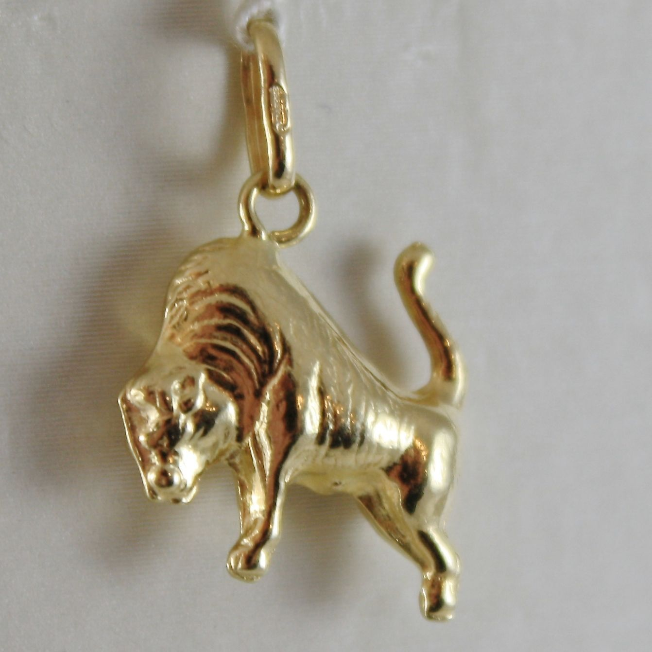 18K YELLOW GOLD BUFFALO PENDANT, LENGTH 0.79 INCHES, CHARMS, MADE IN ITALY