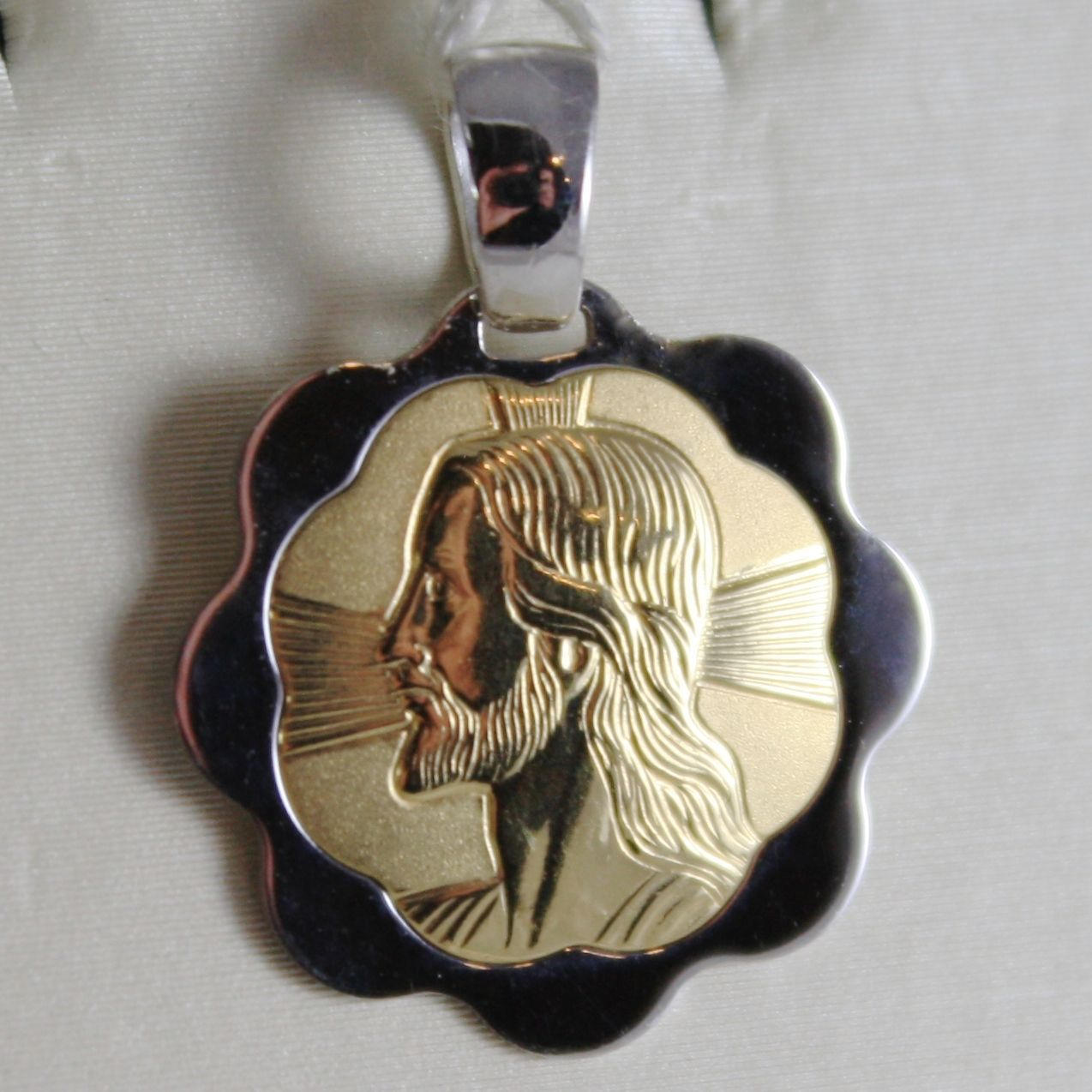 18K YELLOW WHITE GOLD FLOWER MEDAL JESUS CHRIST FACE ENGRAVABLE MADE IN ITALY