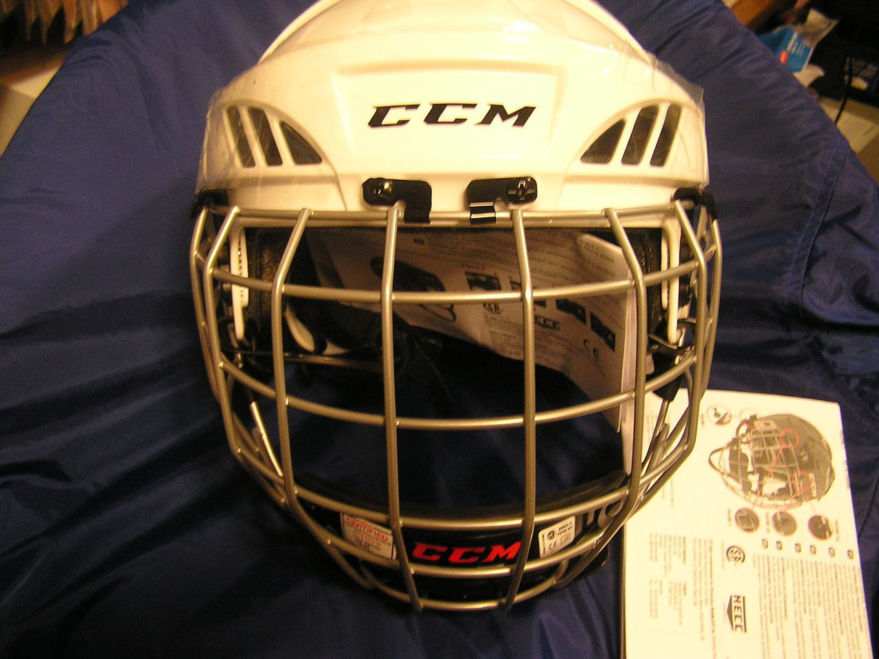 CCM FL40 Hockey Helmet With Cage White Size Large