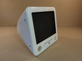 Apple eMac 17in 700MHz PowerPC G4 PowerMac White 40GB Hard Drive A1002 E... - $74.70