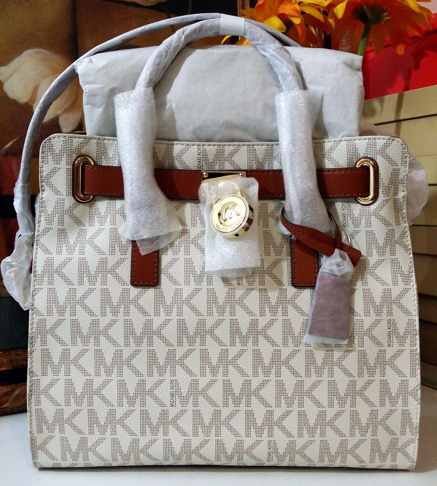 NWT MICHAEL KORS Hamilton Large North South Logo Tote PVC Vanilla MSRP $348