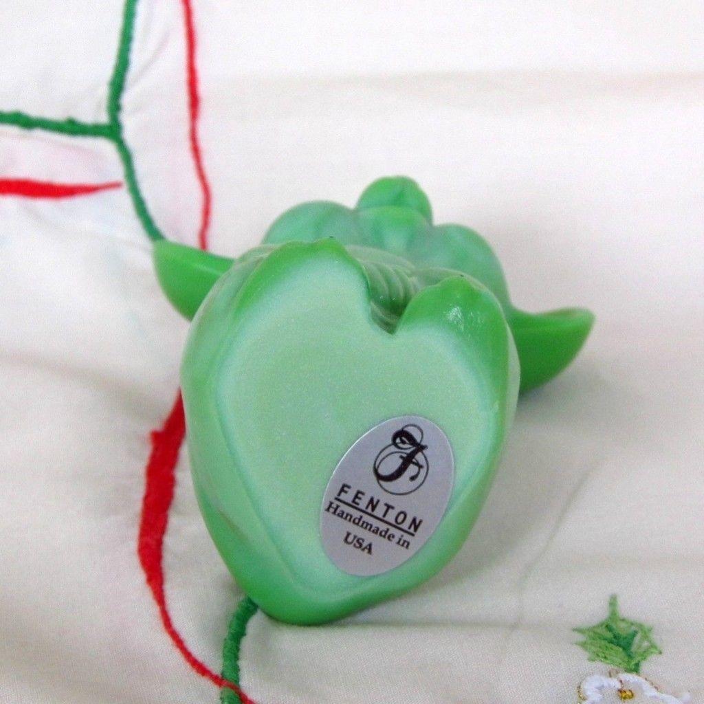 Fenton Glass Chameleon Green Mouse 2007 NFGS in Original Box