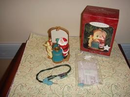 Hallmark 1998 Santa's Show 'n' Magic Ornament - $12.69
