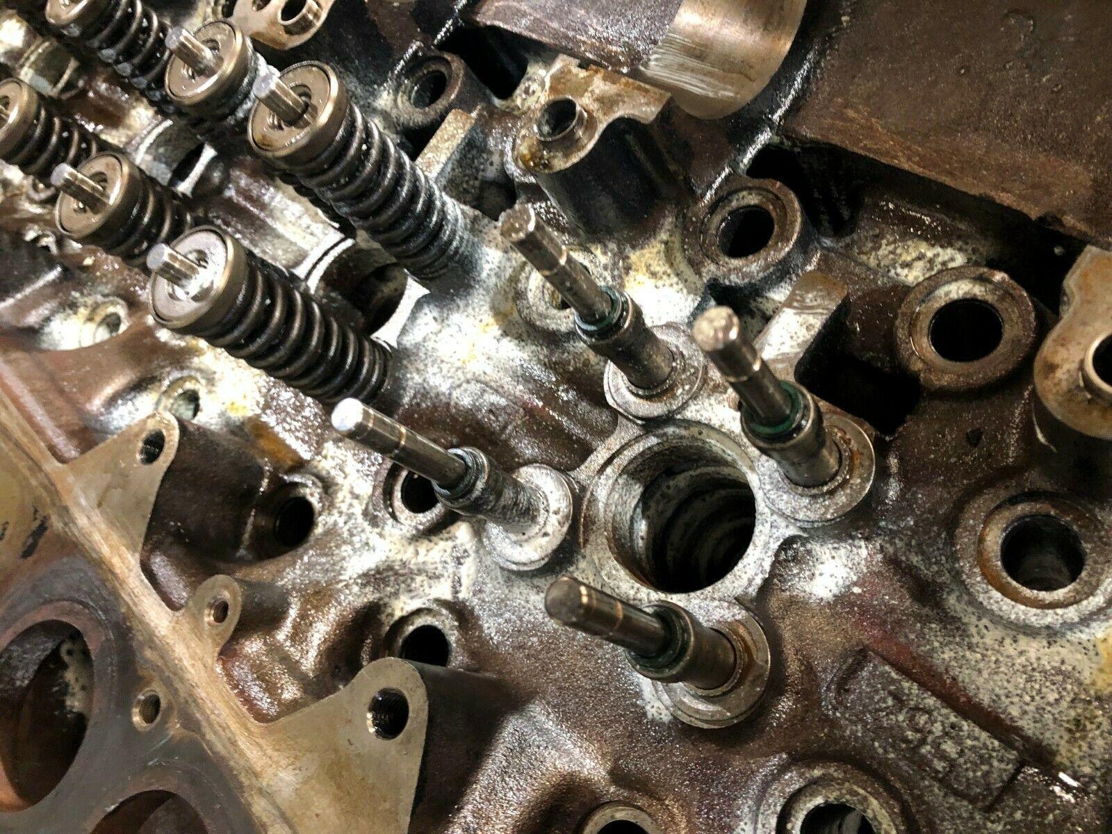 Detroit Series 60 14.0 Liter Diesel Engine Cylinder Head As Is OEM image 7