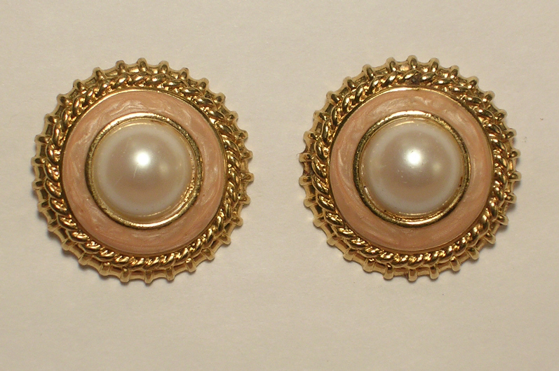 Primary image for Imitation Pearl and Peach Enamel Gold Colored Metal Pierced Post Earrings