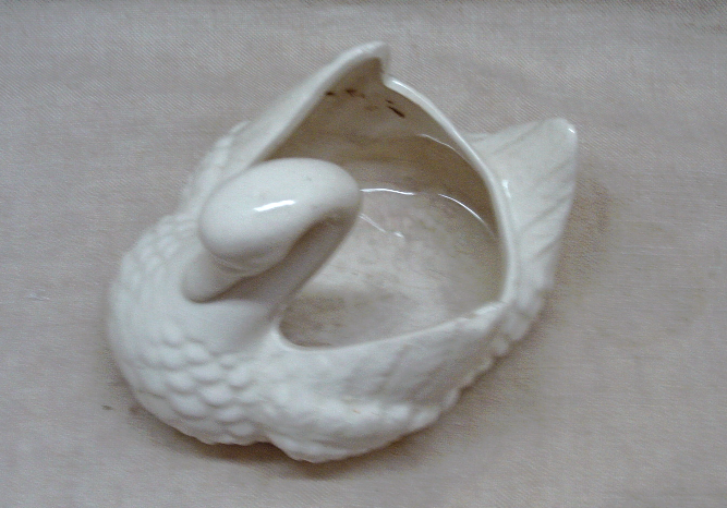 Vintage Mid Century White Ceramic Swan Planter // Retro Home Decor