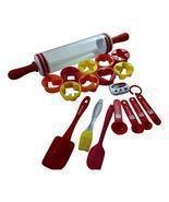 Kitchen Baking Set Includes Measuring Cookie Cutters Storage Roller Holi... - $893,50 MXN