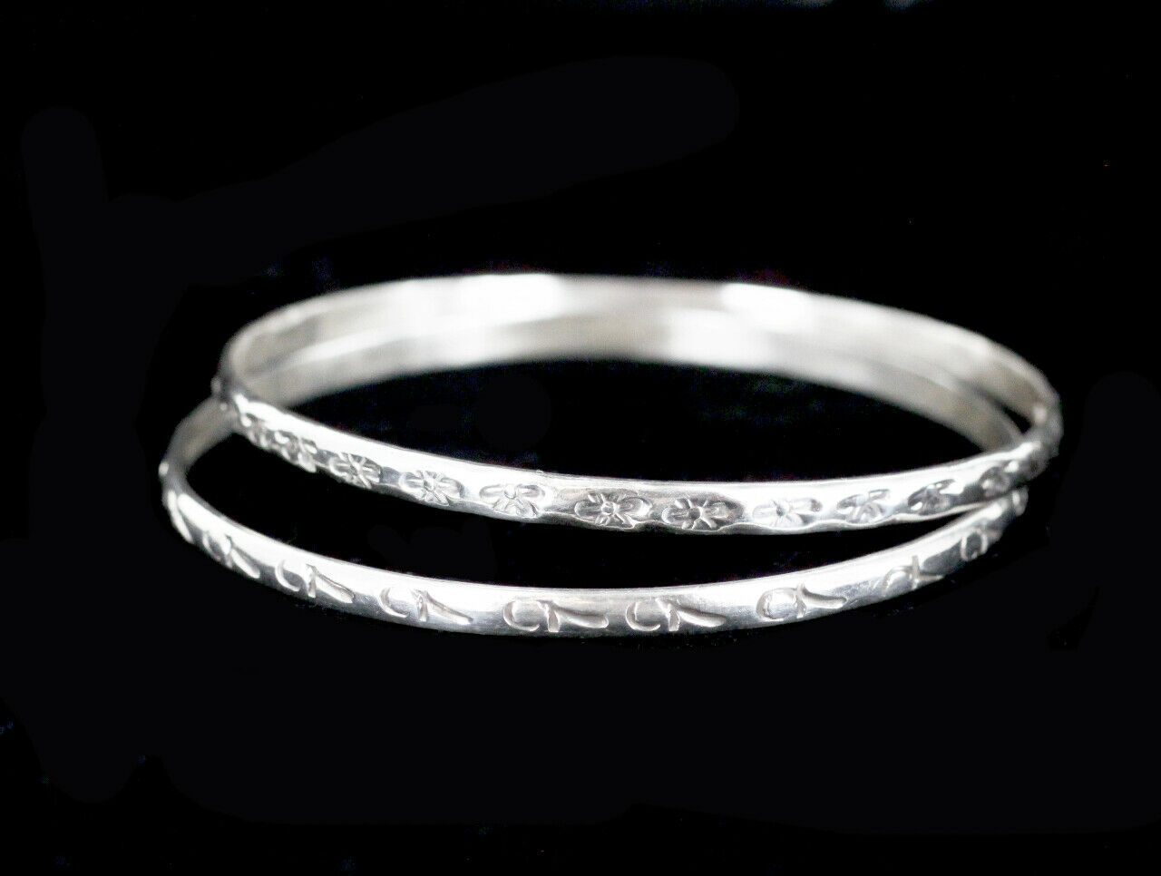 Vintage Taxco Mexico Sterling Silver Pattern Bangle Bracelet Pair Set