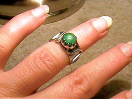 Silver Ring 6 Green Artisan Turquoise Small Bold Elegant Sterling 925 Open Nice - $51.25