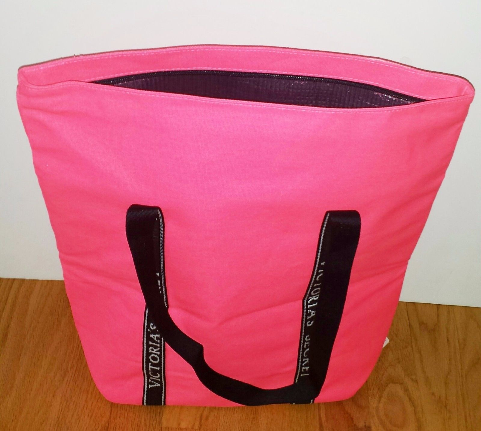 NEW Victoria's Secret Pink Insulated Cooler for Beach or Tailgating.